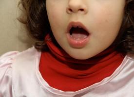 Mi hijo se atasca al hablar, ¿es tartamudo?