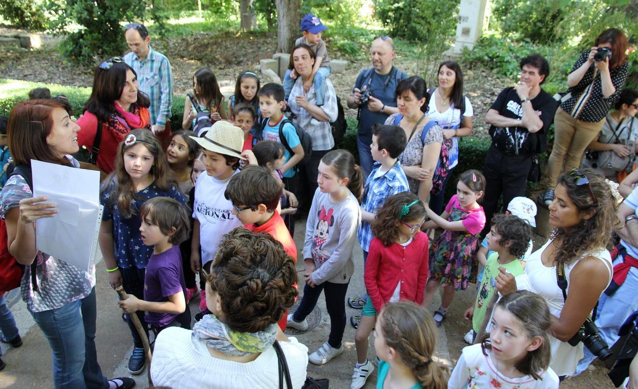 """Bienvenid@s al paseo """"Exploradores por el Realejo"""".  Foto: Cristina López"""