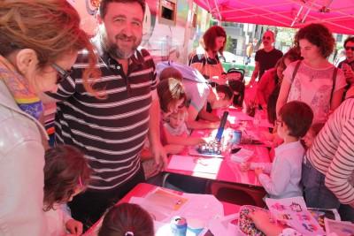 Taller de Chapas y Cómic Feria Libro Granada 2015 : Foto Cristina Torres