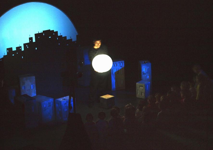 Cuando vuelve la Luna (2008) .Cia Arena en los Bolsillos