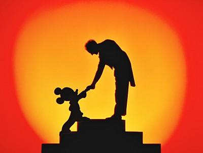 Leopold Stokowski y Mickey Mousse en Fantasía.