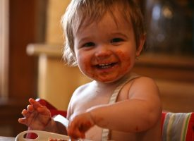 La diversificación alimentaria del bebé: ¿Cómo y cuándo comenzar a introducir alimentos?