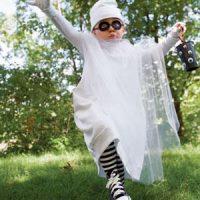 Disfraces caseros de fantasma para niños y niñas en Halloween