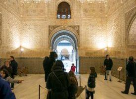 Vuelven las visitas guiadas y talleres de «La Alhambra en familia»